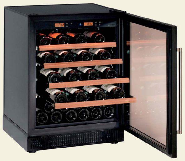 Специальный шкаф для вина, повзволяющий регулировать температуру