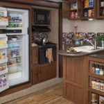 Удобная и функциональная кухня с встроенной мебелью