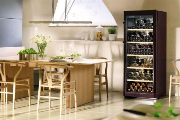Винный шкаф на кухне