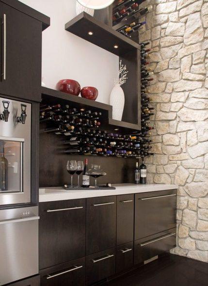 Винный стеллаж на кухне