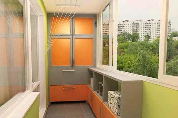 Вместительный шкаф на балкон