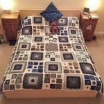 Вязанный текстиль для уюта в спальне