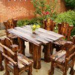 Оригинальный деревянный стол и стулья