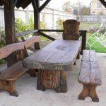 Деревянный стол необычной формы