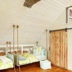Детские подвесные кровати на мансарде