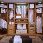 Гардеробная комната разгружает от одежды и обуви всю квартиру
