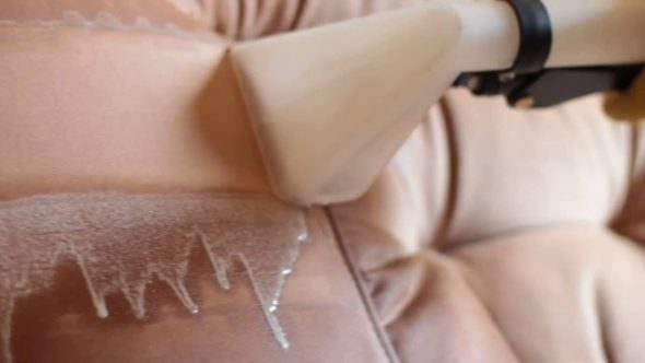 Химчистка дивана из замши