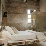 Используем подвесную кровать для спальни в стиле лофт