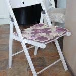 Квадратная фиолетовая сидушка на стул в стиле Прованс