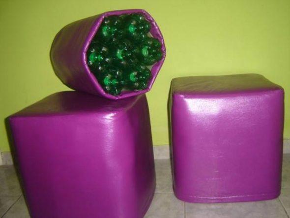 Набор фиолетовых пуфиков