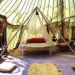 Необычное решение - круглая подвесная кровать