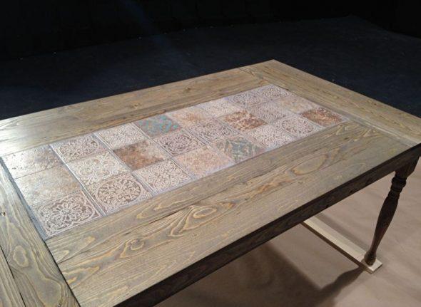 Отделка стола плиткой
