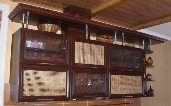 Фасад с вставками из ротанга