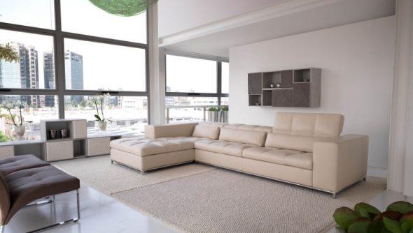 Большой бежевый диван
