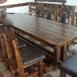 Стулья и стол из дерева ручной работы