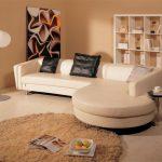 Угловой диван необычной формы