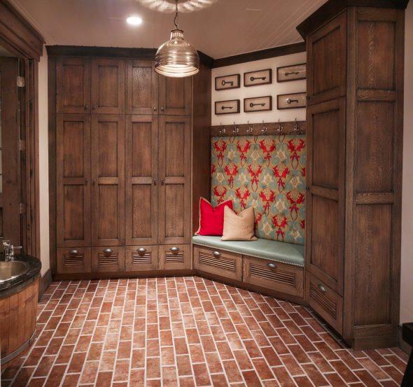 Угловой шкаф из натурального древесного массива
