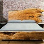 Деревянная необработанная кровать для спальни лофт
