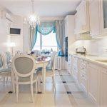 Длинный овальный стол для длинной прямоугольной кухни