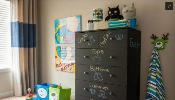Наведение порядка в шкафу у ребенка