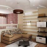 Интерьер однокомнатной квартиры с большой кроватью