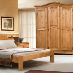 Комплект мебели из дерева для спальни