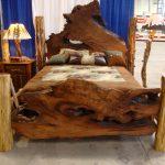 Красивая кровать с необычным изголовьем ручной работы