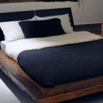 Кровать из дерева в стиле лофт
