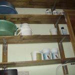 Многоярусная деревянная полка в гараж