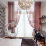Подвесное кресло в спальне в современном стиле