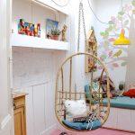 Подвесное плетеное кресло в детскую спальню