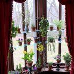 Полки для цветов для углового окна
