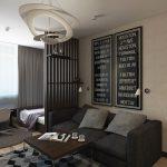 Просторная гостиная с кроватью в нише и диванчиком для гостей