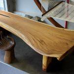 Стол ручной работы из дерева
