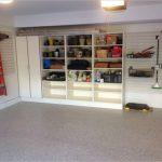 Удобный шкаф-стеллаж для гаража
