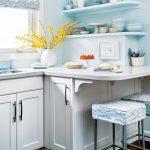 Угловые кухонные полки для посуды
