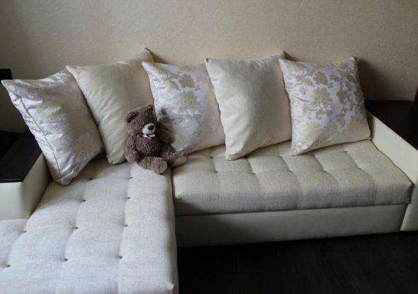 Вид дивана после перетяжки