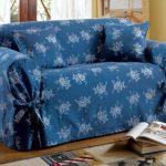 Зимний чехол с завязками на диван