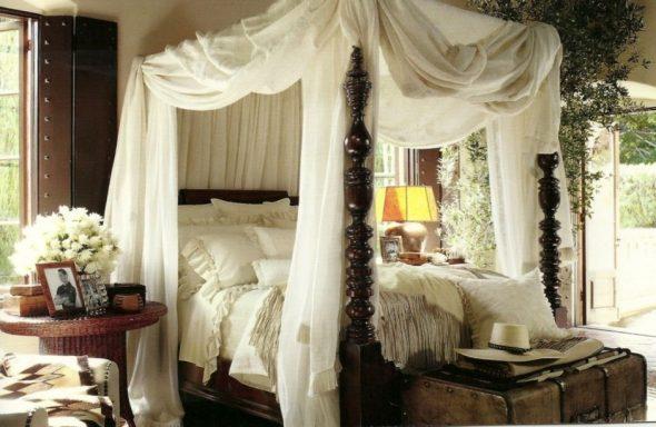 Балдахин в спальне