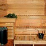Деревянные полоки в три яруса для обустройства бани