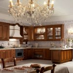 Классическая деревянная угловая кухня