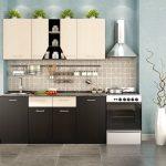 Контрастная бело-черная мебель на кухне