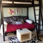 Кровать-чердак с диваном под ней