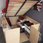 Кровать-гардероб для маленькой квартиры
