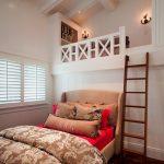 Кровать на 2 этаже в нише комнаты