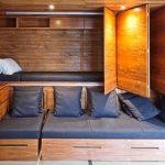 Оригинальное спальное место с ящиками под кроватью