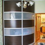 Стильный радиусный шкаф-купе