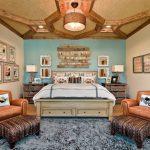 Ящики из дерева придают кровати роскошь и элегантность