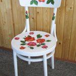 Белый стул с розами своими руками