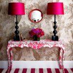 Цветочный консольный столик